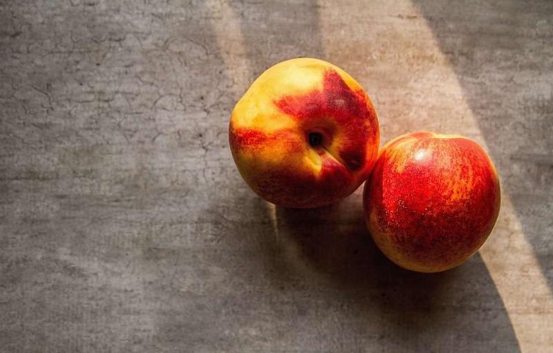 近视可以吃桃子吗近视的原因都有哪些呢